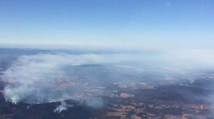 Se mantiene alerta roja en Lonquimay por incendio forestal