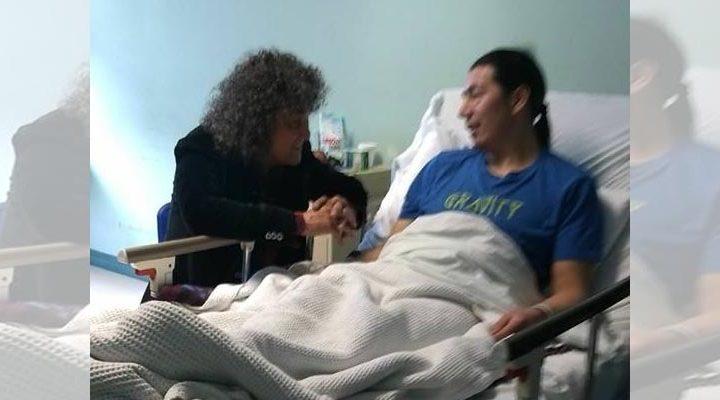 Vocalista del grupo Illapu visitó al Machi Celestino Córdova en el hospital de Temuco