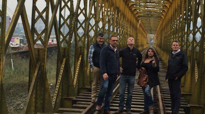 Felipe Kast envía solicitud formal a Ferrocarriles del Estado para salvar puente ferroviario