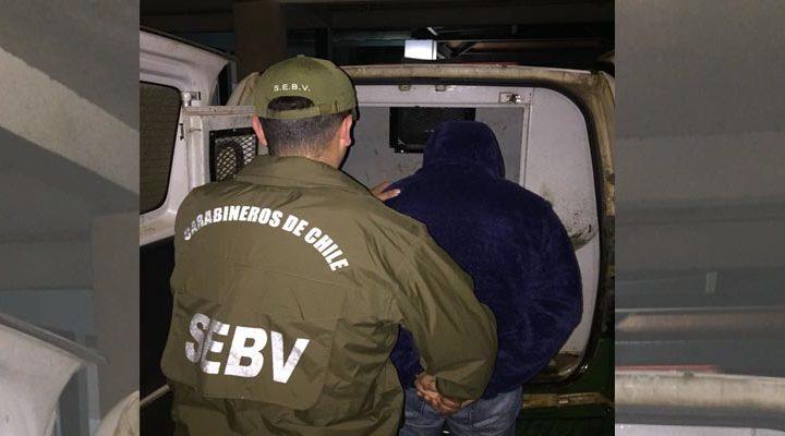 Dos comuneros son detenidos que estarían involucrados en robo a minibús en Ercilla