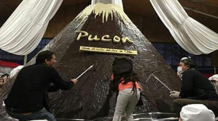 [Video]: Miles de turistas visitaron el volcán de chocolate más grande del mundo en Pucón
