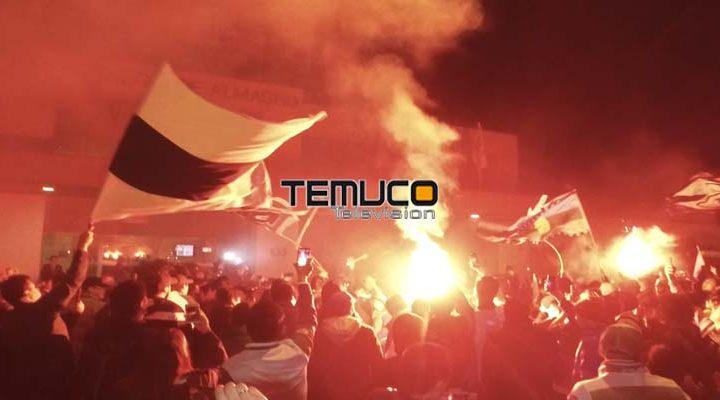 Con el banderazo más de 500 hinchas de Deportes Temuco se reunieron con el plantel