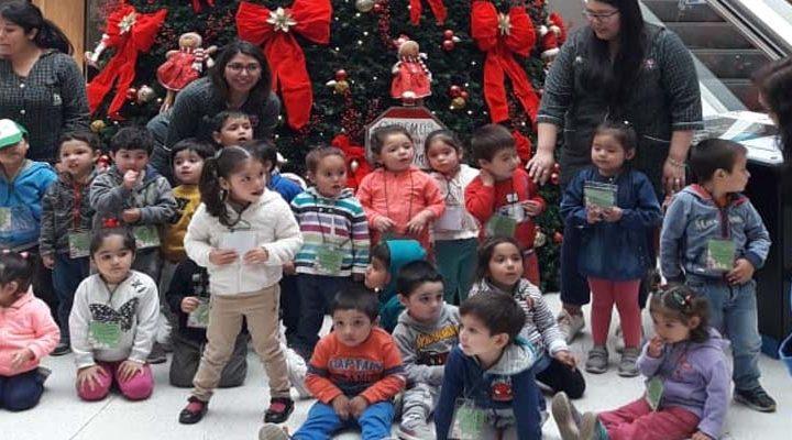 Viejito Pascuero entregó alegría y regalos a niños del Hogar de Cristo