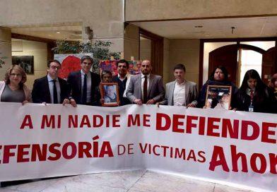 """Diputada Andrea Parra respalda campaña """"A mi nadie me defiende"""" que exige creación de la defensoría de víctimas"""