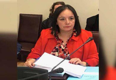 Senadora Aravena pide sensatez en votación de proyecto que rebajaría sueldos municipales